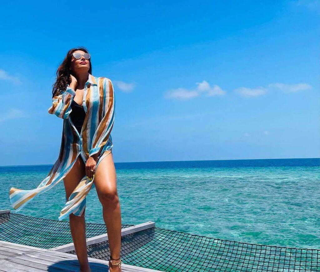 Bipasha Basu In Blue Bikini Set